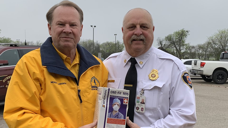 tbm executive director mickey lenamon gives protective masks to sunnyvale fire department
